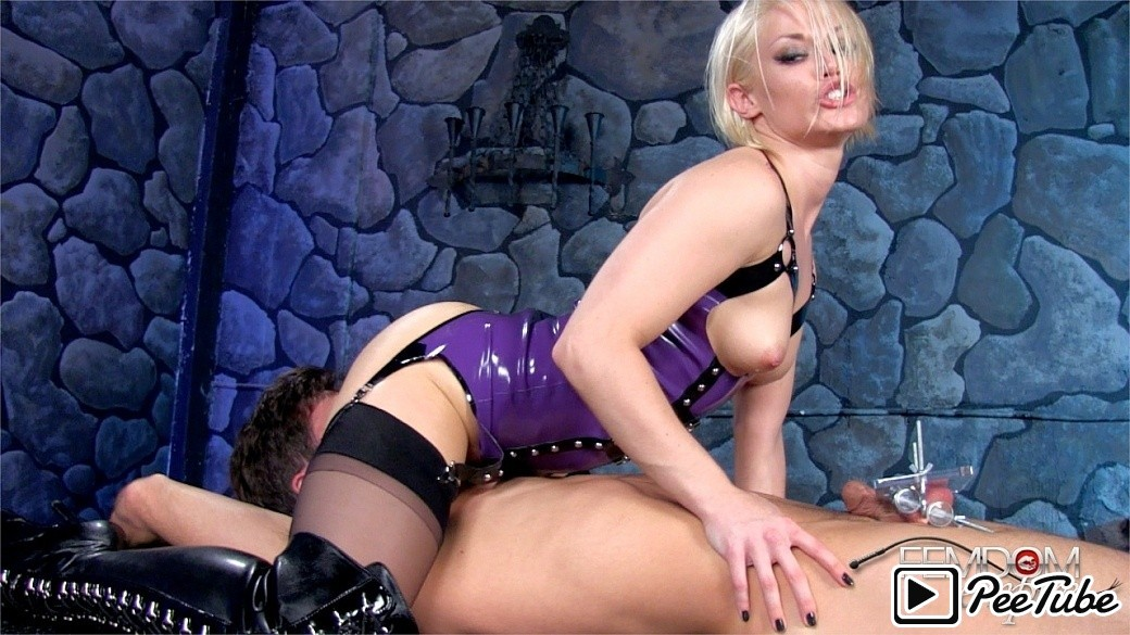 Femdomempire.com – Suffer for my Pussy Ash Hollywood 2013 CBT